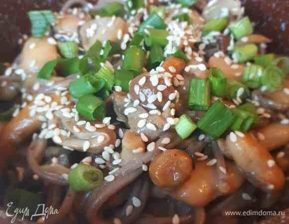 Соба с грибами и фасолью