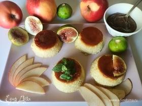 Яблочно-карамельный десерт с инжирным соусом