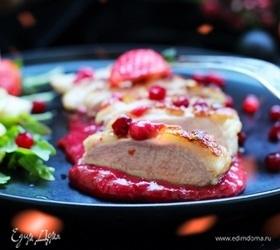 Утиное филе в ягодном соусе с клубникой