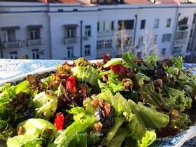 Салат из запеченных овощей с чечевицей