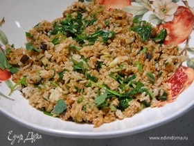 Бурый рис с баклажанами, имбирем и шпинатом