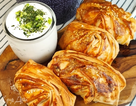 Пирожки из теста фило с мясом