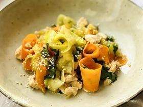 Куриное филе с овощами в соевом соусе