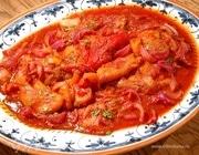 Пряный перец в винно-томатном соусе