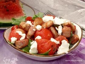 Салат с арбузом и грудинкой