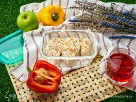 Рулетики из лаваша с творогом, сыром, чесноком и зеленью