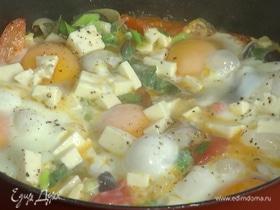 Средиземноморская яичница с овощами