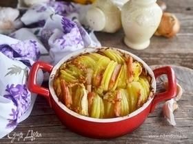 Ароматный картофель с луком и беконом