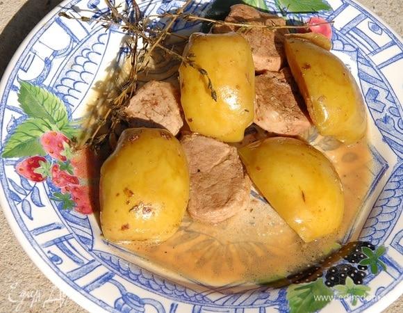 Свиные медальоны под яблочным соусом