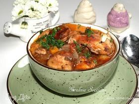 Курица, томленная с бататом и домашней колбасой