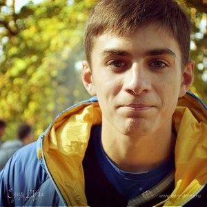 Олександр Дерев*янко