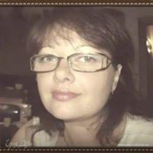 Elana Pav